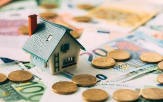 Продать унаследованное жилье, какие налоги нужно при этом уплатить?