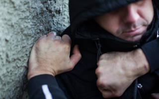 Как квалифицировать избиение сержанта с причинением вреда средней тяжести?