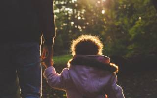 Грозит ли суд матери ребенка, если его отец несовершеннолетний?