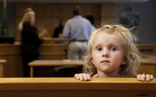 Как забрать ребенка под опекой из семьи?