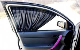 Шторки на передних окнах лехкового авто