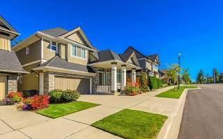Сколько метров нужно отступать от забора при строительстве дома?